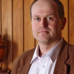Dr Pieter  van Houten